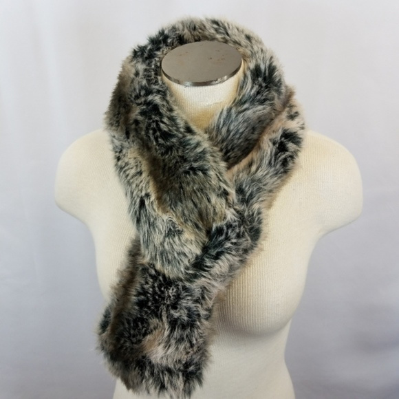 Accessories - Faux fur collar scarf